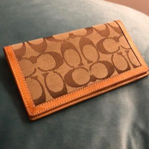 Coach checkbook case cover Tan print brown leather